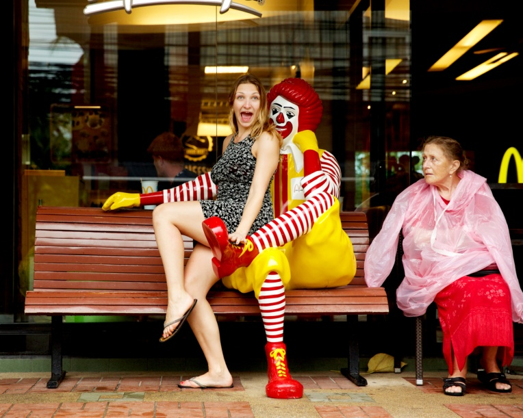 10-thailand-friends-fun-holiday-snap-travel-photography-lifestyle-stephanie-louise-green-humour-moment-colour-pop-mcdonalds-ronald-clown-pretty