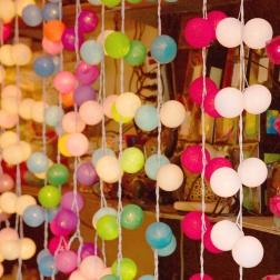6-thailand-stephanie-louise-green-colour-pop-travel-lifestyle-photography-lantern